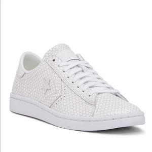 NWT Converse WHITE Leather Oxford Sneaker